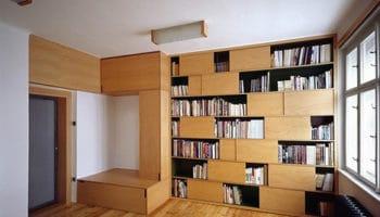 Une maison avec un intérieur en bois constitué d'éléments modulables, le bois aussi sait s'adapter !
