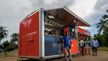 Aide aux populations démunies, une initiative de développement durable par coca cola qui propose d'installer des kiosques de purification d'eau