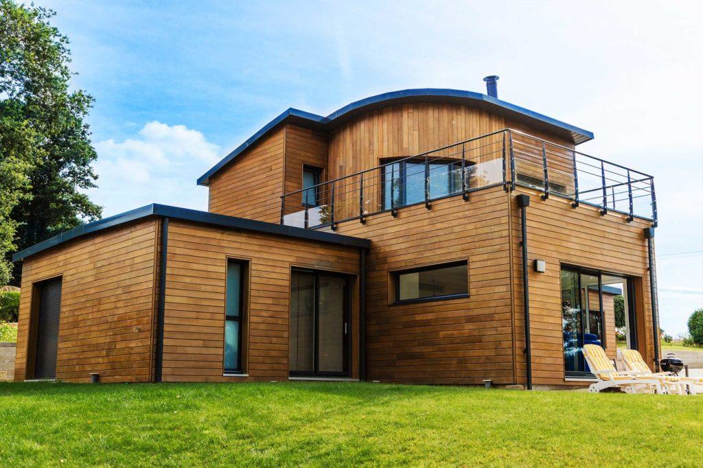 Construction d'une maison en bois modulaire conçue sur mesure