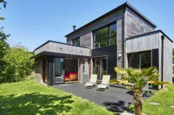 Perspectives design de la maison et mise en relief des nuances du bardage bois