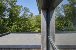 Aperçu de la toiture acrotère depuis l'étage de la maison
