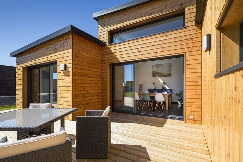 maison en bois vue de la terrasse
