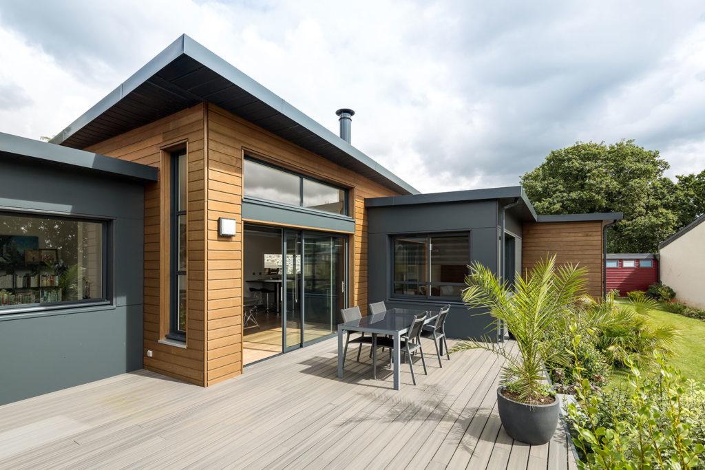 maison en bois vue de l'extérieur